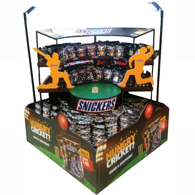 Snickers Cricket Floor Display