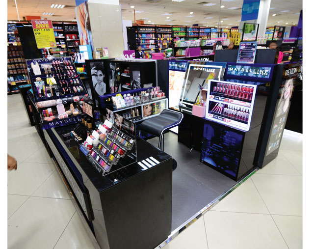 Born With Beauty Maybelline Kiosk