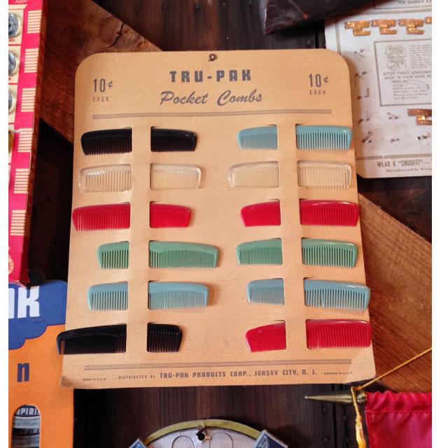 Tru-Pak Comb Display
