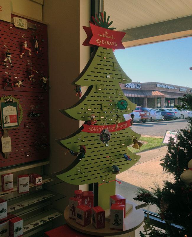 Keepsake Slotted Ornament Display